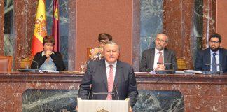 El consejero de Fomento Francisco Bernabé en una comparecencia ante la Asamblea Regional.