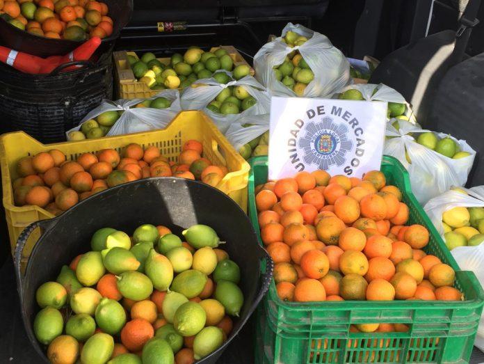 Imagen de la fruta incautada el pasado domingo en el mercadillo de Cabo de Palos