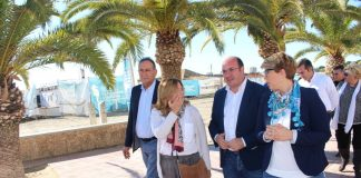 El presidente de la Comunidad, Pedro Antonio Sánchez, visitó ayer las obras de rehabilitación de los molinos de las salinas de San Pedro del Pinatar