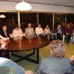 La secretaria de Estado de Turismo, Isabel Borrego, mantuvo en Santiago de la Ribera una reunión con los hosteleros para conocer las propuestas del sector