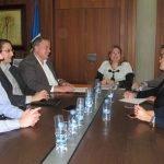 El consejero de Fomento, Francisco Bernabé, presentó ayer en San Pedro la empresa encargada de la redacción de la Estrategia para el Mar Menor.
