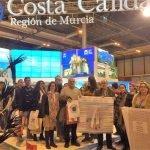 Varios integrantes de la plataforma Pacto por el Mar Menor asistieron al stand de Murcia en FITUR