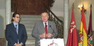 El consejero de Fomento anunció ayer el Plan Revitalizador para La Manga con cargo a la UE.
