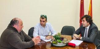 Parte de la junta directiva de ACOBE se reunión con el presidente de COEC.