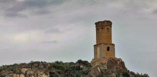 La torre de Garcipérez, patrimonio cultural protegido en absoluto estado de abandono.