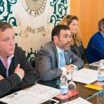 El alcalde de Cartagena, José López, en la rueda de prensa de ayer miércoles en la que mostró su apoyo a los vecinos de Los Urrutias.