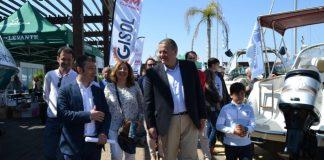El consejero de Fomento, Francisco Bernabé, se trasladó ayer una vez más a San Pedro para inaugurar la Feria Náutica