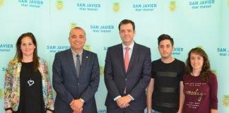 El Ayuntamiento de San Javier presentó ayer la III Media Maratón de La Manga y la II Carrera Entrepuentes.