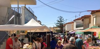Mercado artesano celebrado el sábado en Los Belones.