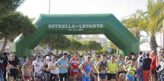 Salida de la III Media Maratón y Carrera Entrepuentes en La Manga.