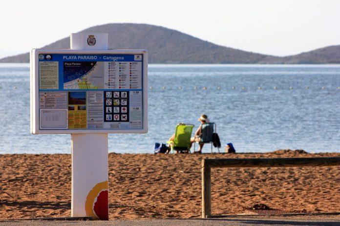 Playa Paraíso es una de las doce playas regionales acreditadas con la Q de Calidad