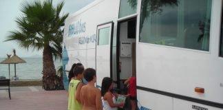 El servicio de préstamos de libros a turistas organizado por la CARM no pasará por La Manga ni Cabo de Palos