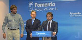 Ayer el consejero presentó el Manual que unificará las señalizaciones turísticas en la Región