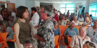 La consejera mantuvo ayer una reunión con representantes de la comunidad británica residente en Murcia para asegurarles que continuará la asistencia sanitaria