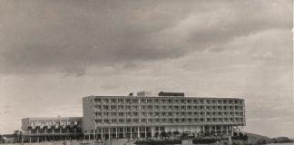 Fotografía del hotel el año de la inauguración