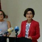 La directora general de Planificación, Investigación, Farmacia y Atención al Ciudadano, María Teresa Martínez (der.), en una imagen de archivo