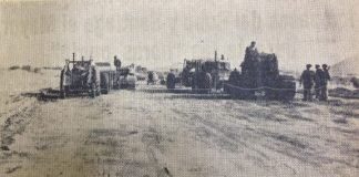 Fotografía de la maquinaria construyendo la Gran Vía en 1963.