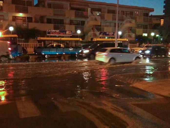 Aguas fecales inundaron la zona de Eurovosa de La Manga del Mar Menor.