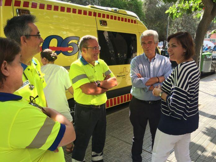 La consejera de Sanidad visitó ayer el Servicio de Urgencias del 061