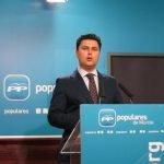 José Miguel Luengo logró, con su propio voto de calidad y sin el apoyo de ningún otro grupo, una importante subida de sueldo fuertemente criticado por la oposición.
